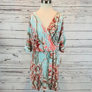 Jessica Simpson NWT cherry blossom open sleeve